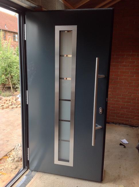 Алюминиевые двери Ryterna